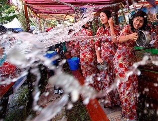 GALLERY: New Year Festivals in ASEAN